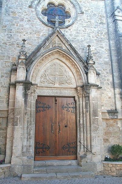 Autignac (Hérault) - portail de l'église Saint-Martin.