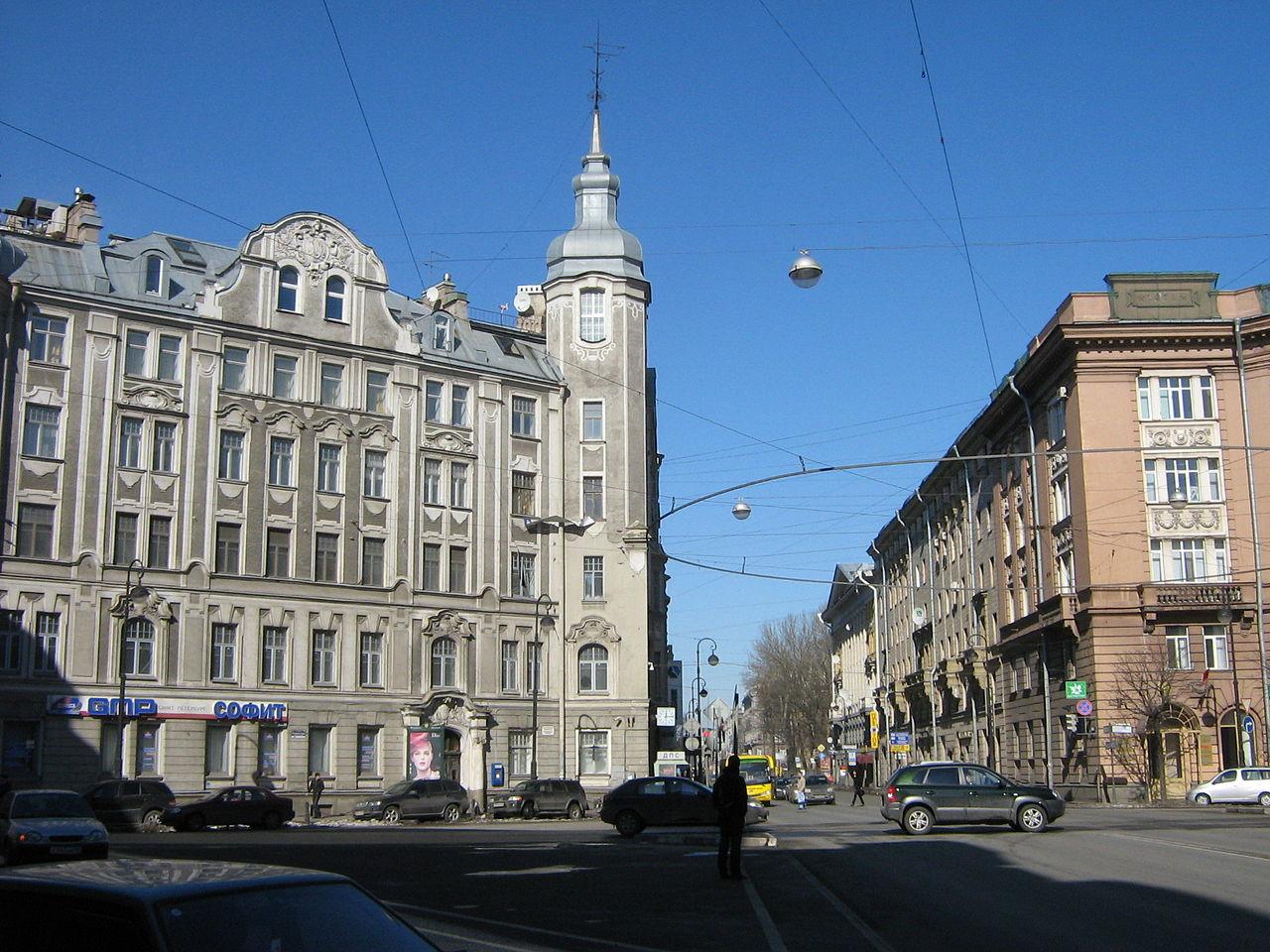 Avstriiskaya pl.jpg