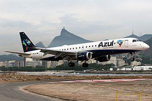 Azul Embraer ERJ-190-100IGW 190AR.jpg