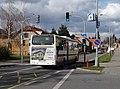 Březiněves, Na hlavní, autobus ČSAD Střední Čechy (02).jpg