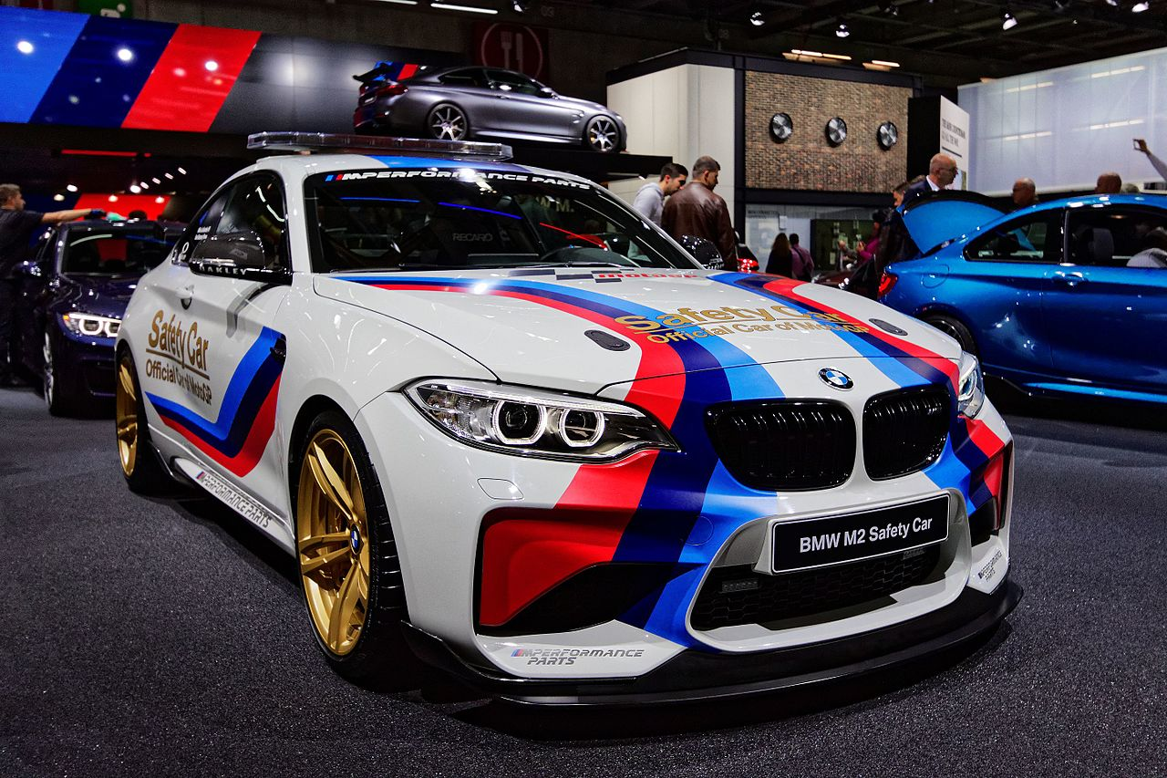 file bmw m2 safety car mondial de l 39 automobile de paris 2016 wikipedia. Black Bedroom Furniture Sets. Home Design Ideas