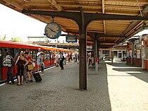 Bahnsteig Bahnhof Ostkreuz, Berlin.jpg