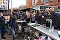 Bar buiten en feestvierders Spijkenisse koningsdag 2016.JPG