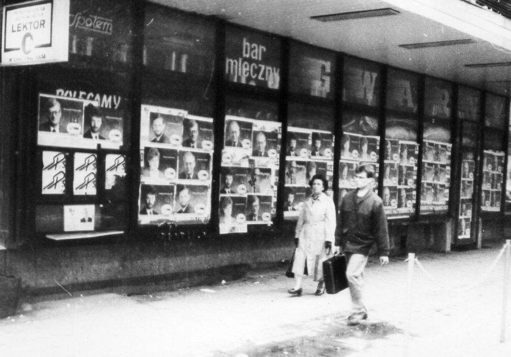 Bar mleczny Gwarny, Poznan, 10.1991r. (wybory)