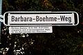 Barbara-Boehme-Weg mit Legende, Barbara Boehme,1918-2003, engagierte sich in herausragendem Maße für die Überlebenden des Holocausts.jpg