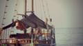Barco solitário.png
