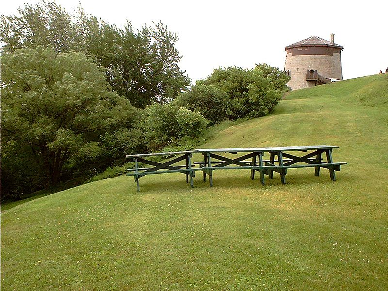 File:Battlefields Park Tables and Martello Tower.jpg