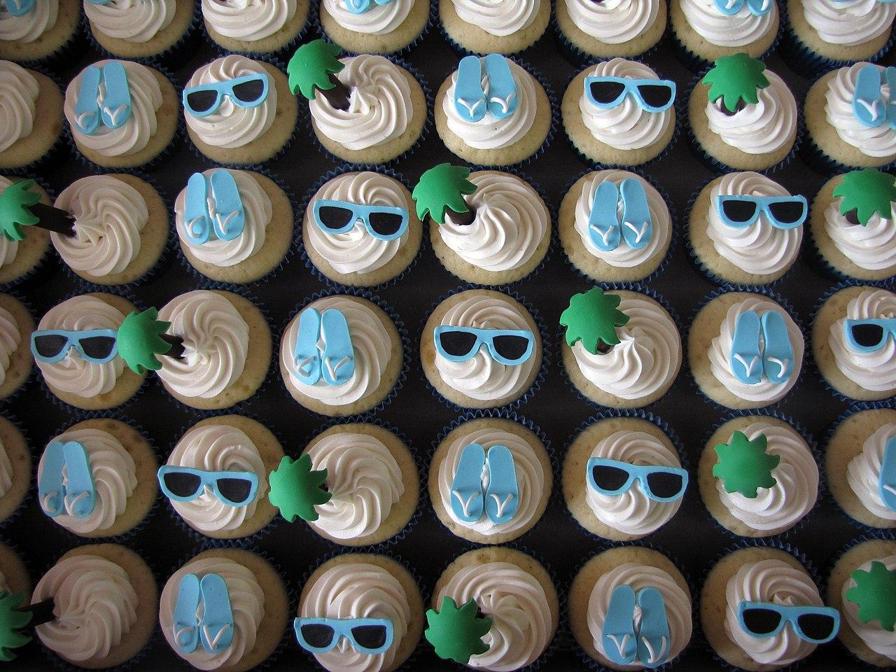 FileBeach Themed Bridal Shower Cupcakes 4701422476jpg