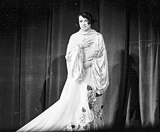 Asta Nielsen - Asta Nielsen at an appearance at Scala Theater in Berlin, 1934