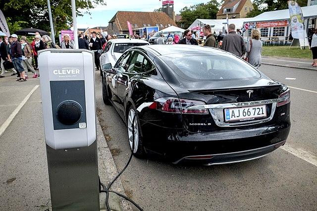 Число пунктов заправки электромобилей в Дании превысило количество бензозаправочных станций