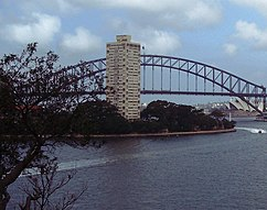 Blues Point Tower, McMahons Point, Sídney (1961)