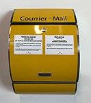 Boîte aux lettres à l'aéroport de Lyon.JPG