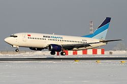 Boeing 737-3Y0, Avia Traffic AN2213187.jpg