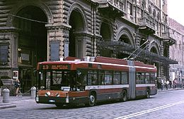 Bologna Autodromo trolleybus 1044 on Via Rizzoli.jpg