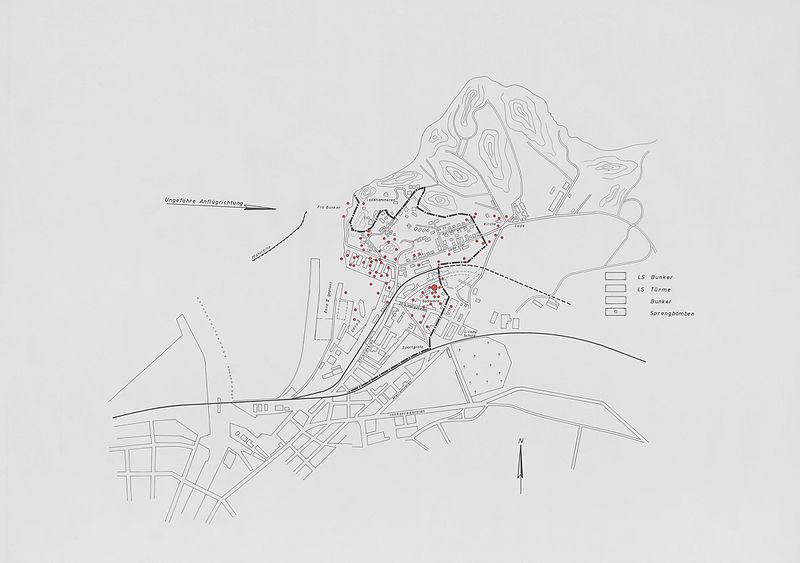File:Bombenedslag på Nyhavna og Ladehalvøya (1943) (18307737299).jpg