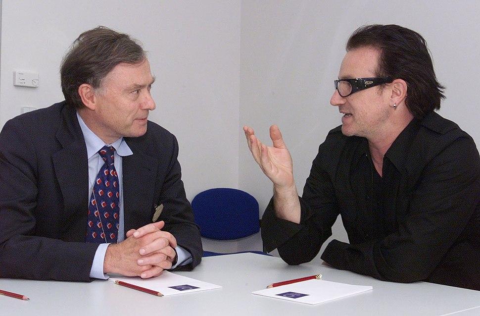 Bono U2 with Horst Köhler at Prague 2000 IMF.jpeg
