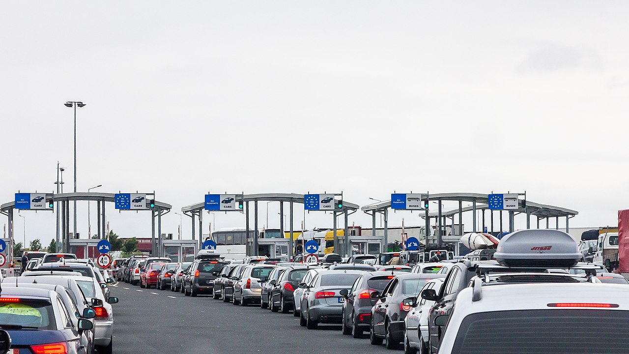 Border checkpoint Nadlac - Nagylak - Romanian side-8768.jpg