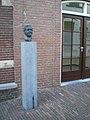 Borstbeeld Toon-Hermans Begijnenhofstraat Sittard Nederland-01.JPG