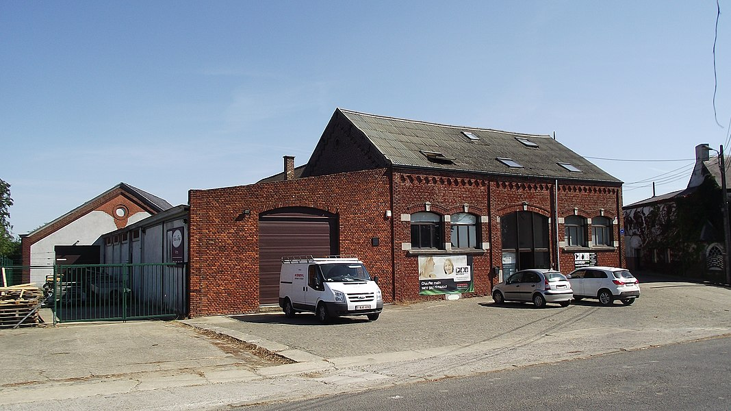 Verwarmingsbedrijf in een oude fabriekhal