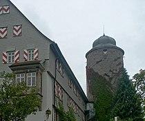 Burg neuenstein bergfried.jpg