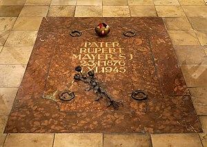 Rupert Mayer - Rupert Mayer's grave in the Burgersaalkirche undercroft