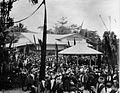 COLLECTIE TROPENMUSEUM Festiviteiten rond de opening van de Staatspoorwegen bij het gebouw van de Sociëteit Harmonie te Padangpandjang Sumatra`s Westkust TMnr 60003561.jpg