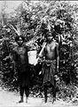 COLLECTIE TROPENMUSEUM Portret van twee mannen uit Tanah Ai TMnr 60007326.jpg