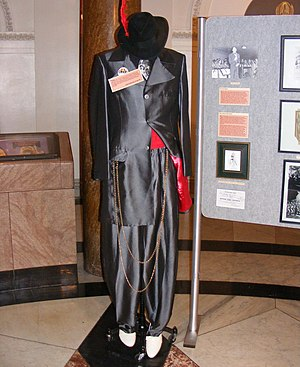 Zoot suit - One of Cab Calloway's zoot suits on display in Baltimore's City Hall, October 2007