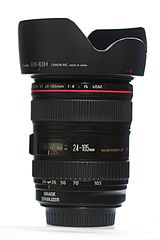 Canon EF 24-105mm F4L IS USM with attached lens hood-flickr - by - Usodesita.jpg