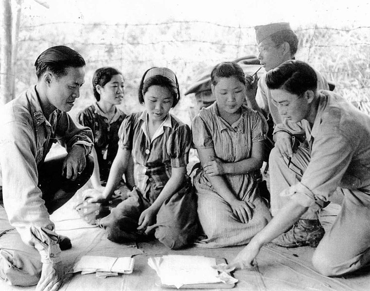 File:Captured comfort women in Myitkyina on August 14 in 1944.jpg