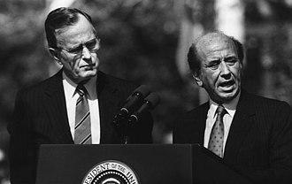 Carlos Andrés Pérez - President Carlos Andrés Pérez next to US President George H. W. Bush during a visit to Washington during his second term in office
