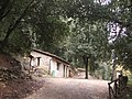 Casa in pietra nel parco del Tezio - panoramio.jpg