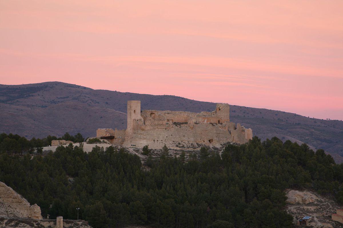 Recinto fortificado de calatayud wikipedia la - Hotel castillo de ayud calatayud ...