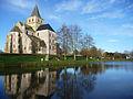 Cerisy-la-Forêt Abbaye et son étang.jpg