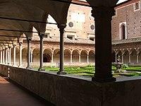 Certosa di Pavia chiostro piccolo.jpg