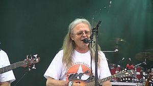 Chris Leslie (folk musician) - Chris Leslie performing at Fairport's Cropredy Convention 2014