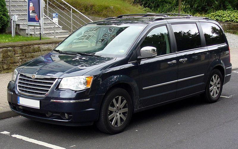 Présentation de mes 2 Chrysler Voyager . 800px-Chrysler_Grand_Voyager_CRD