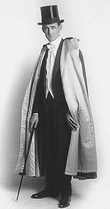 Claude Alexander Conlin circa 1915 (przycięty) .jpg