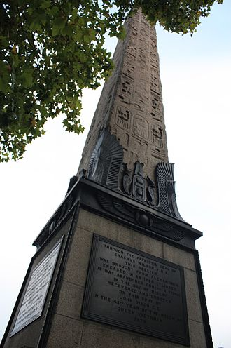 Cleopatra's Needle, London - Cleopatra's Needle and the plaque to Erasmus Wilson at its base