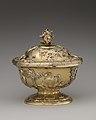 Covered bowl MET DP-1716-031.jpg