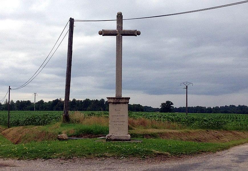 Croix à Faramans (Ain).