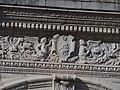 Détail Portique Chateau Pau.jpg