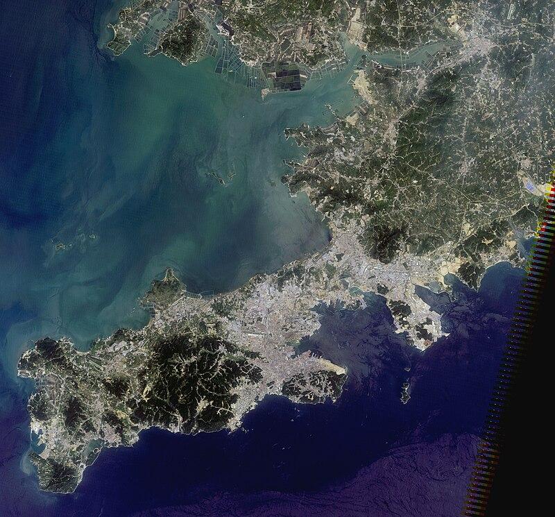 Dalian, China, satellite image, LandSat-5, 2010-08-03.jpg