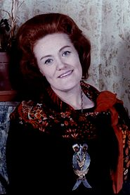 Dame Joan Sutherland colour Allan Warren.jpg