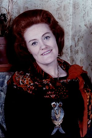 English: Portrait of Dame Joan Sutherland, tak...