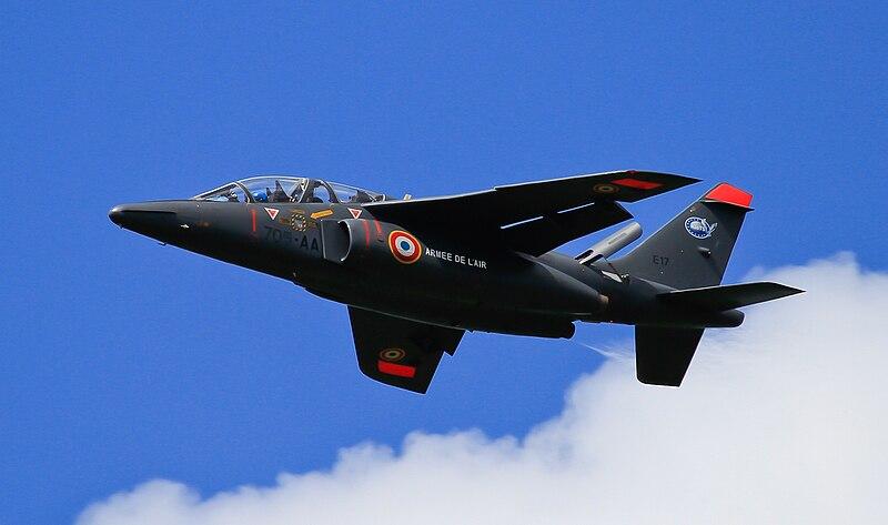 800px-Dassault_alphajet_Solo.jpg