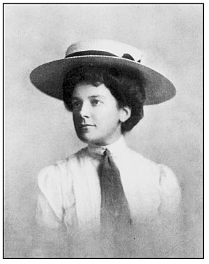Sailor hat - Dorothy Campbell wearing a straw sailor in 1909