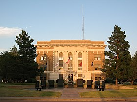Douglas County, South Dakota courthouse 2.jpg