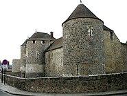 Dourdan walls gate