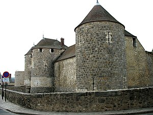 Essonne - Image: Dourdan walls gate